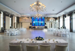 chandelier-ballrooms-by-bamboo-1